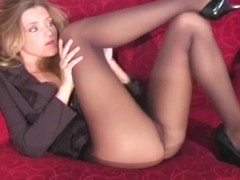 Playful lass makes sexy curving session exposing cum-hole a bit